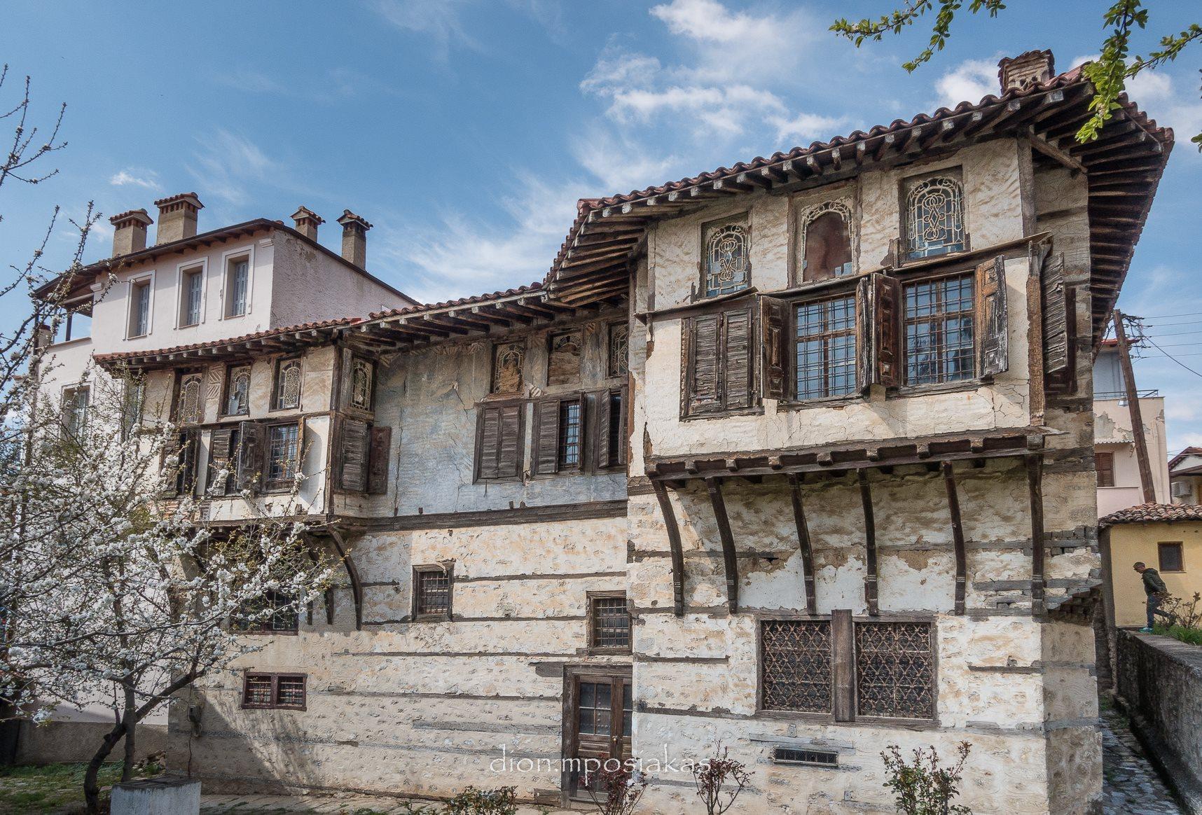 Παλιό αρχοντικό στη Σιάτιστα © Dionisis Mposiakas